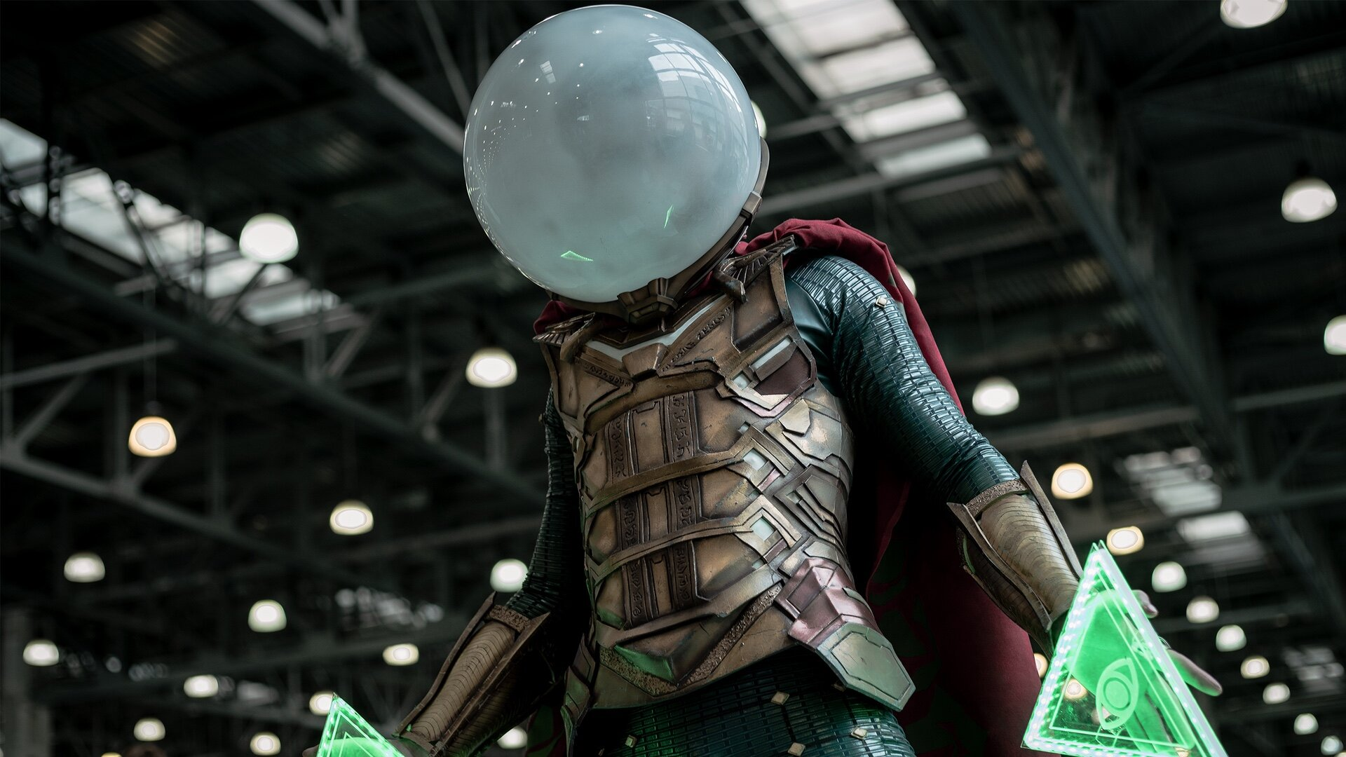 Check Out This Incredible Mysterio Cosplay From Spider Man Far From Home Geektyrant