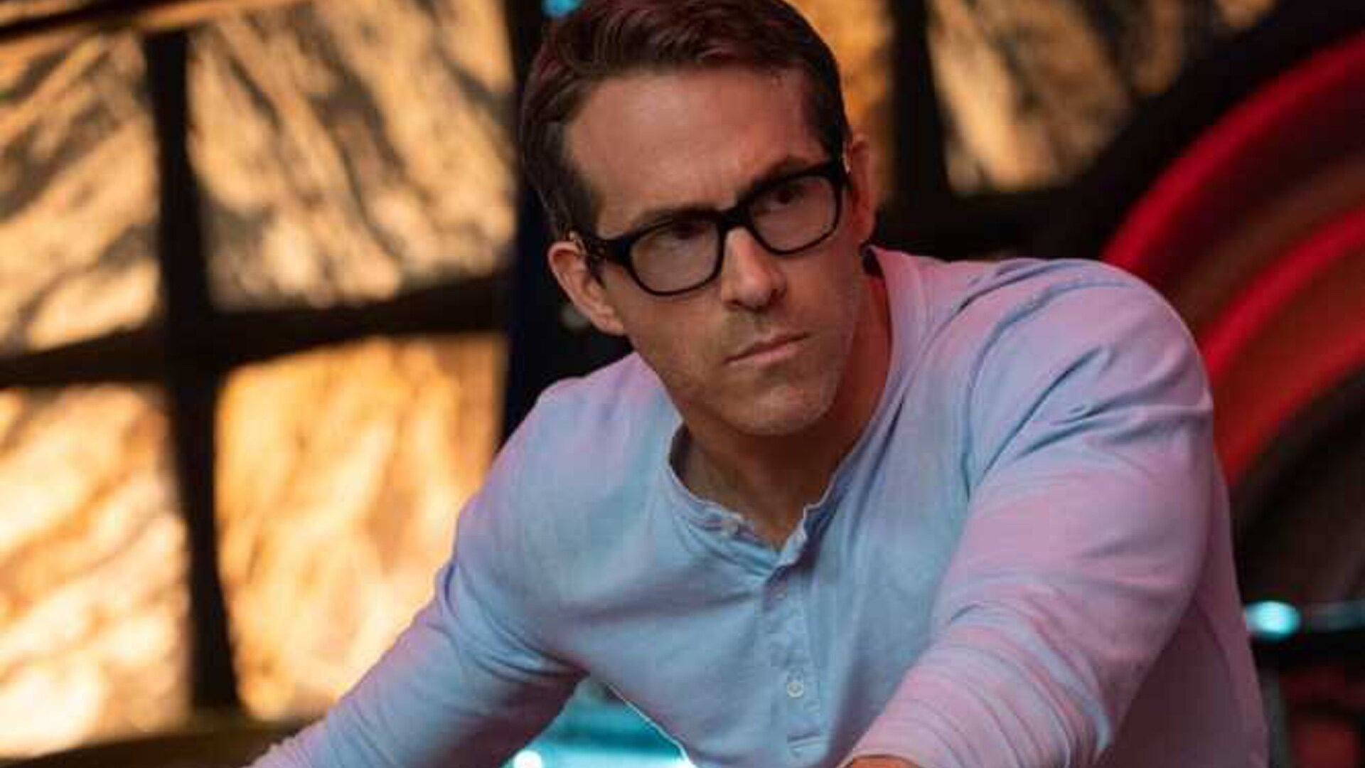 First Look At Ryan Reynolds In His Upcoming Video Game Movie Free Guy Geektyrant