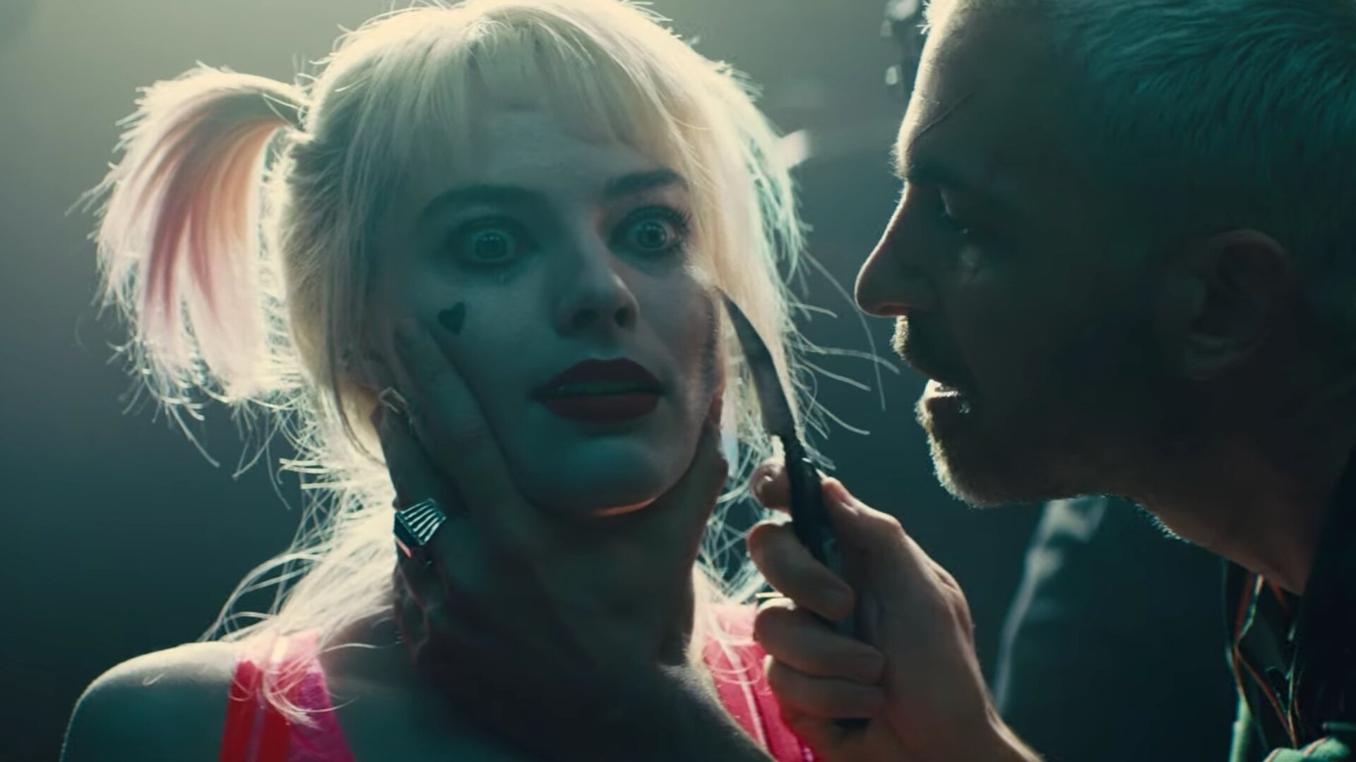Black Mask Wants To Kill Harley Quinn In New Clip From Dc S Birds Of Prey Geektyrant
