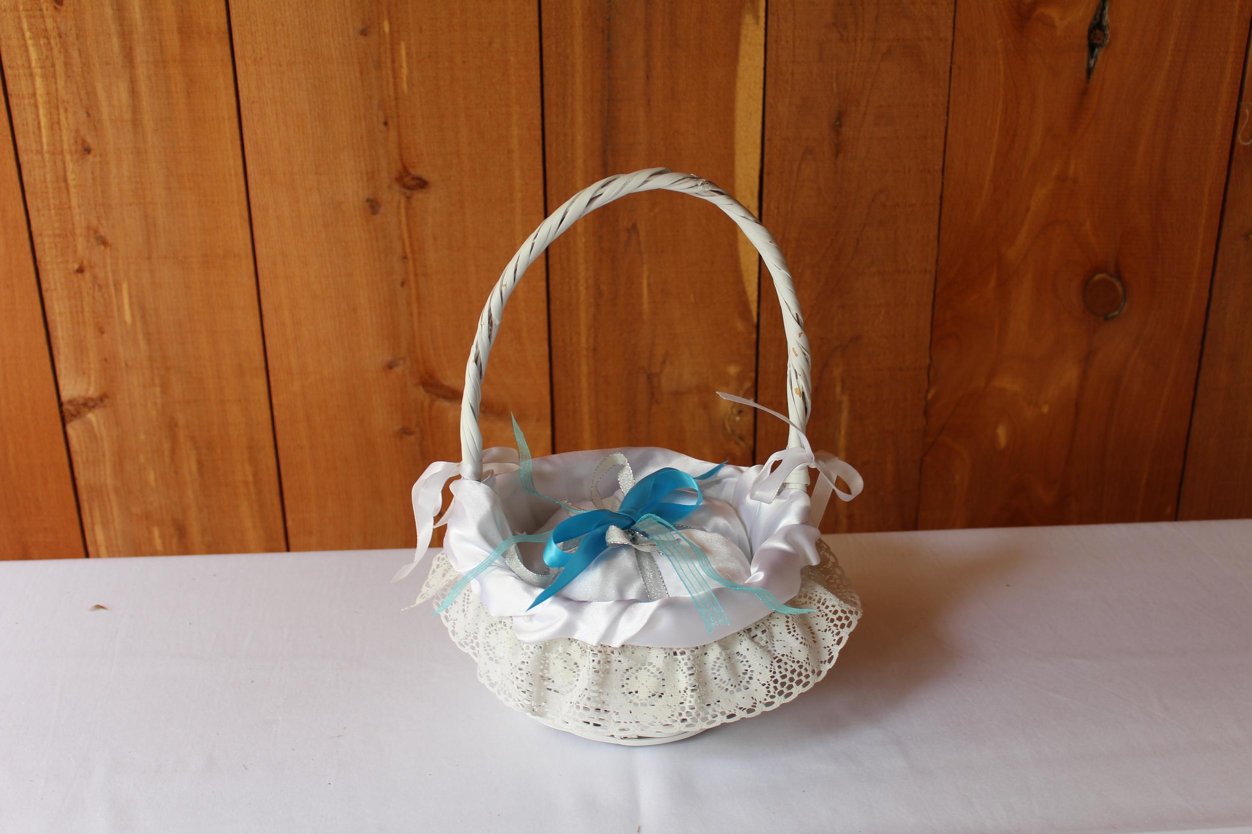 #81 - White Ruffle Basket