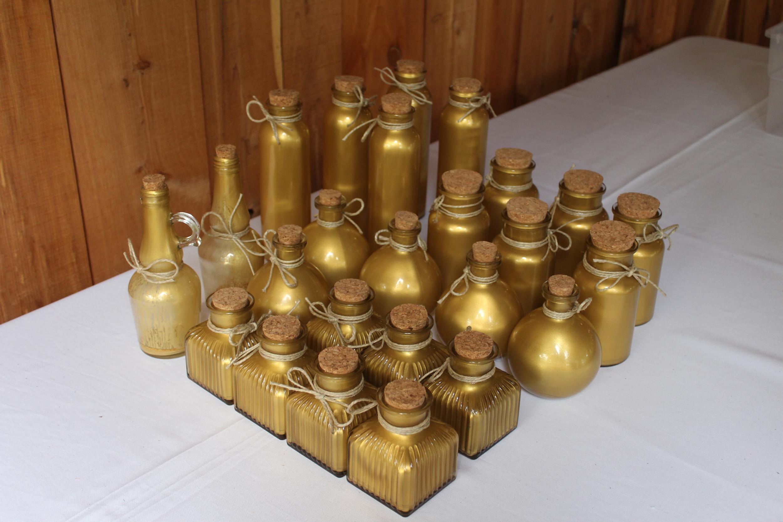 #99 - Gold Table Decor