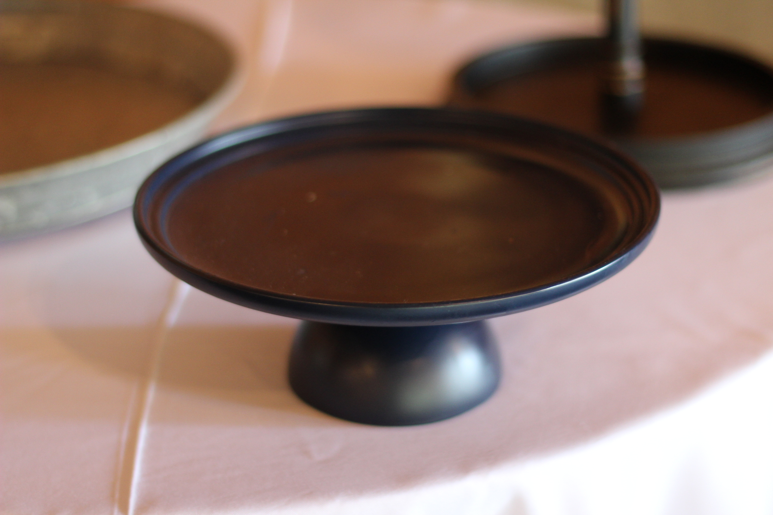 #104 - Black Single Tier Platter