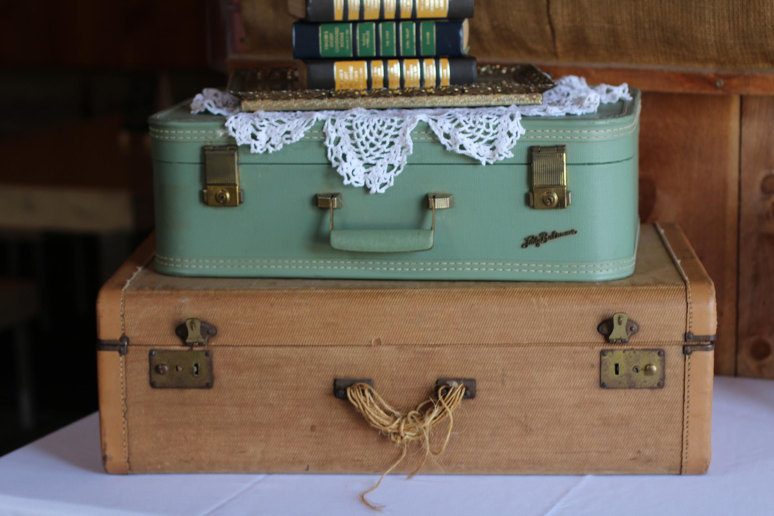 #109 - Medium Green Suitcase