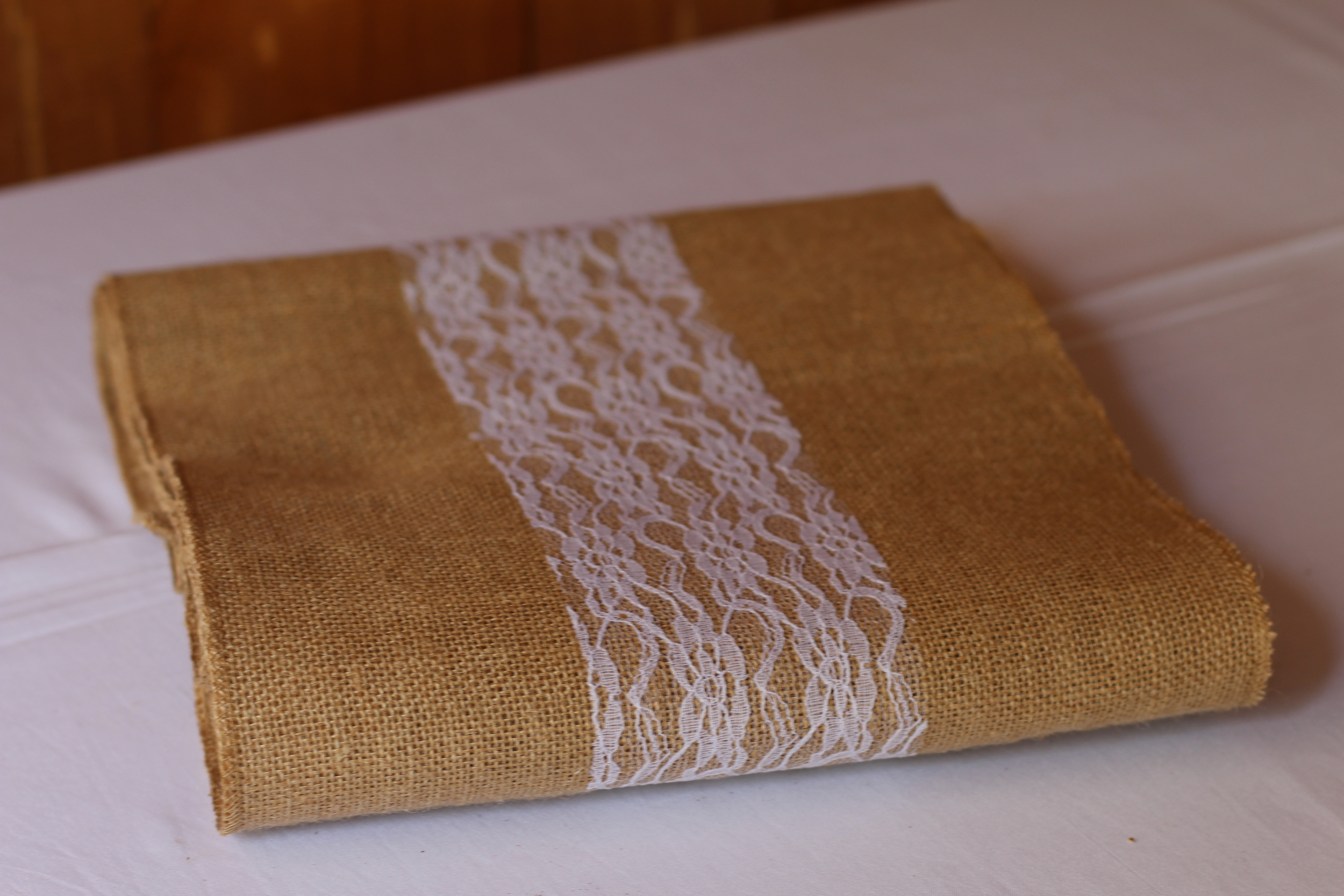 #124 - Burlap Runners With Lace