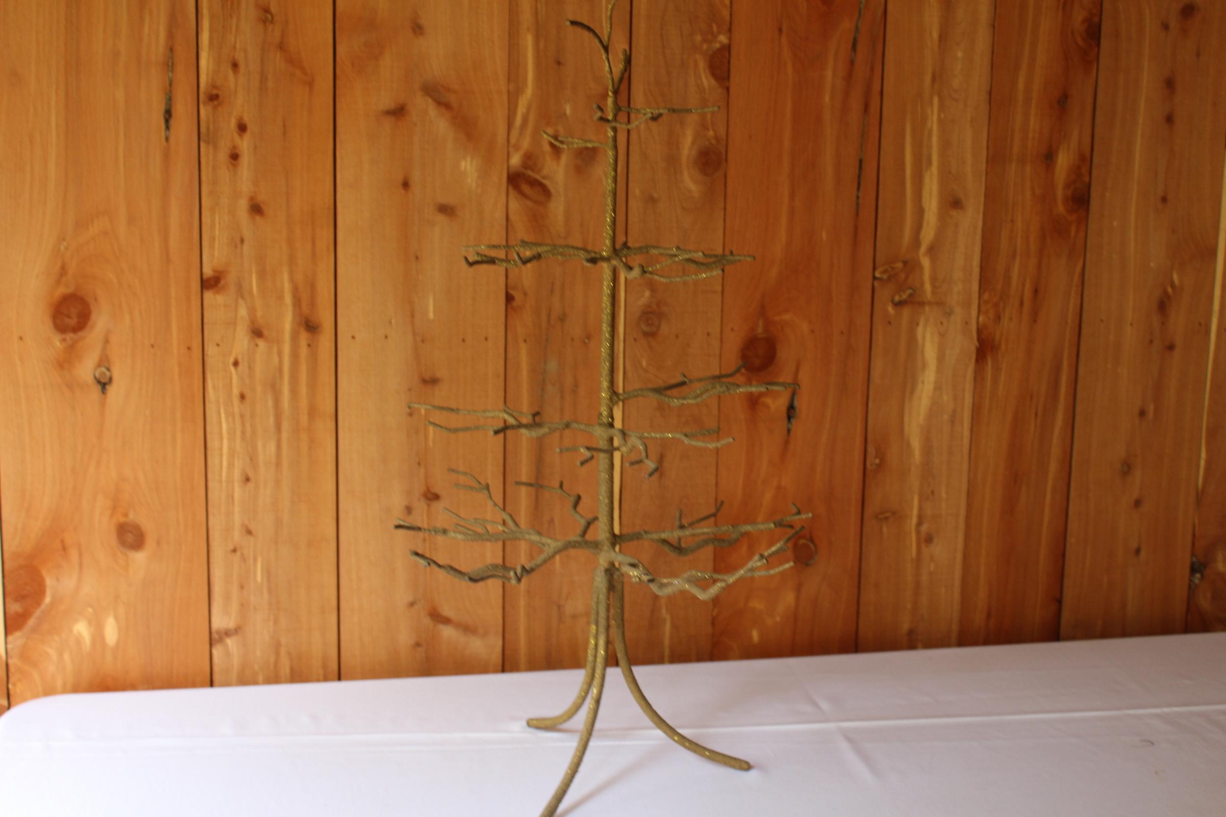 #140 - Gold Metal Tree