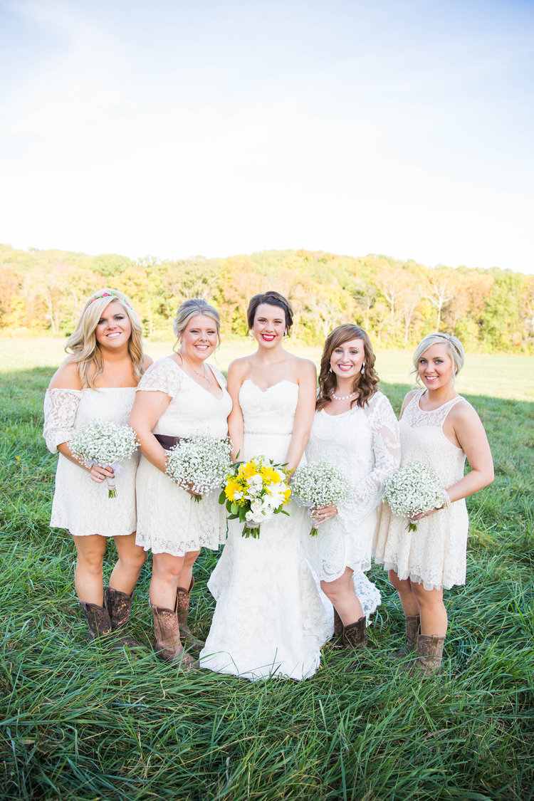 Molly & her Bridesmaids at Haue Valley  - Photographed by  Cieara Ruess Photography
