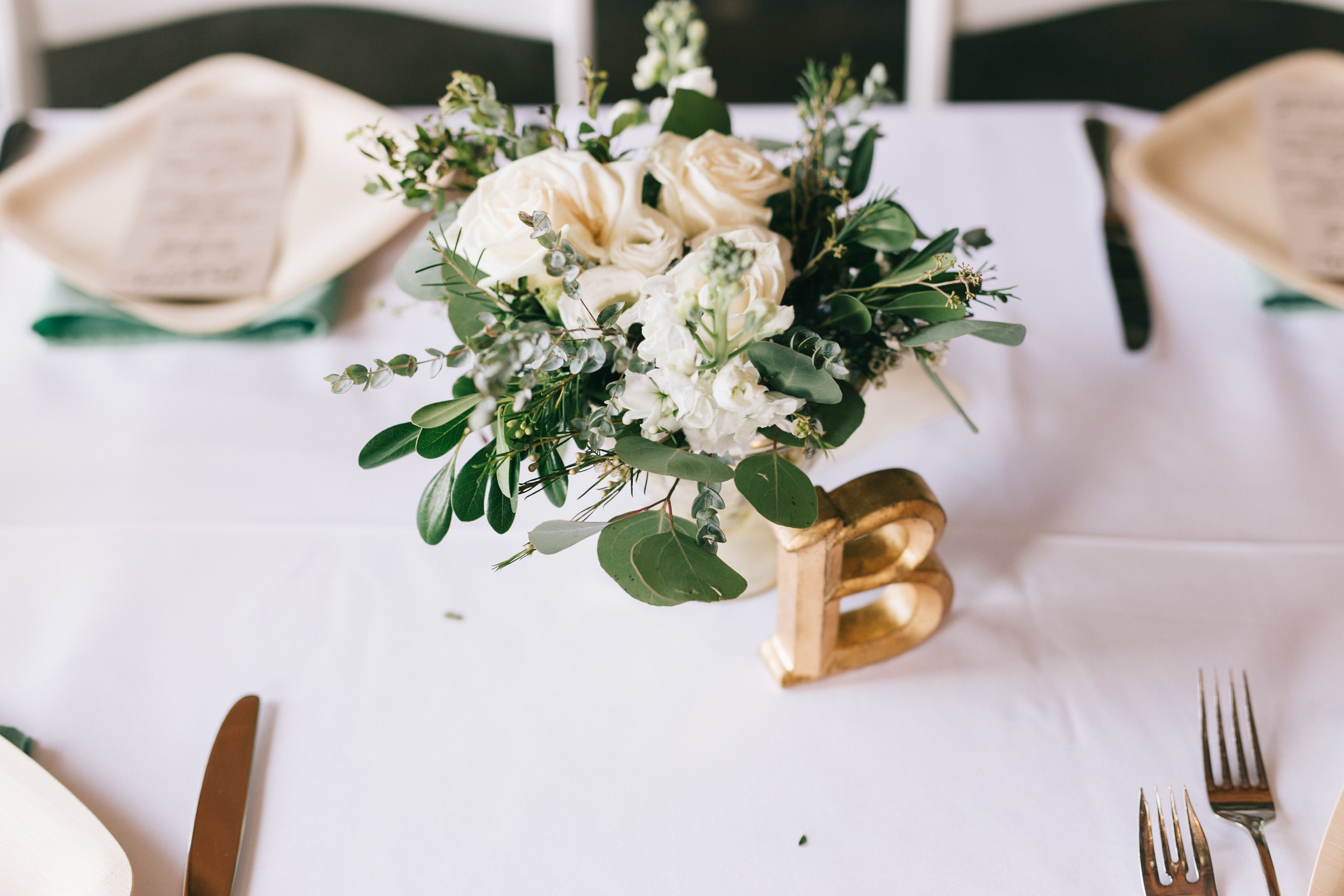 Photo: Bulger Creative Co. I Florals: Roses & Mint