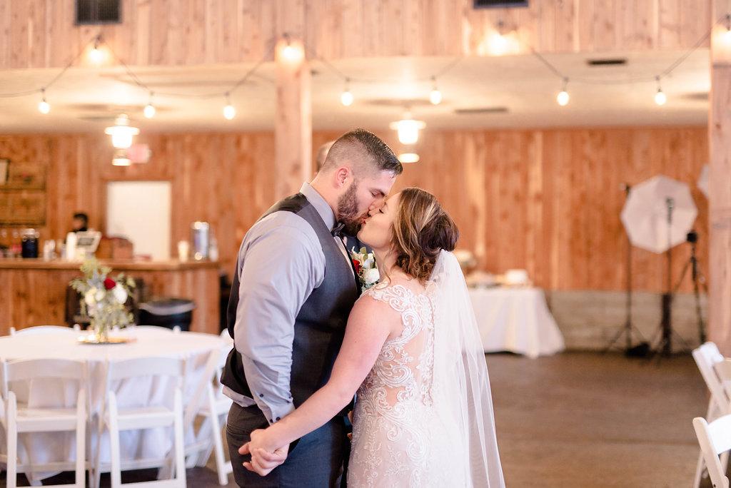 Audrey Lee Photography - Outdoor St. Louis Wedding - Haue Valley