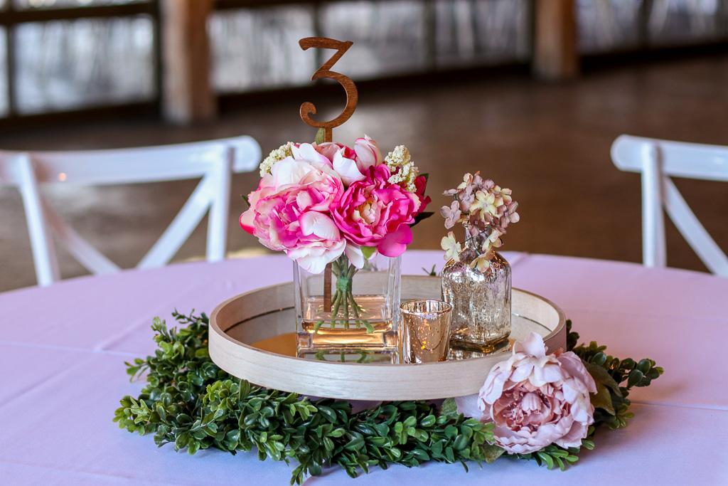Td 95 15 Light Pink Fuchsia Flowers In Glass Vases