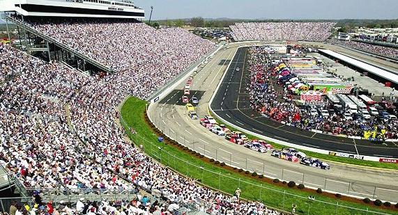 Martinsville_Speedway_4.jpg