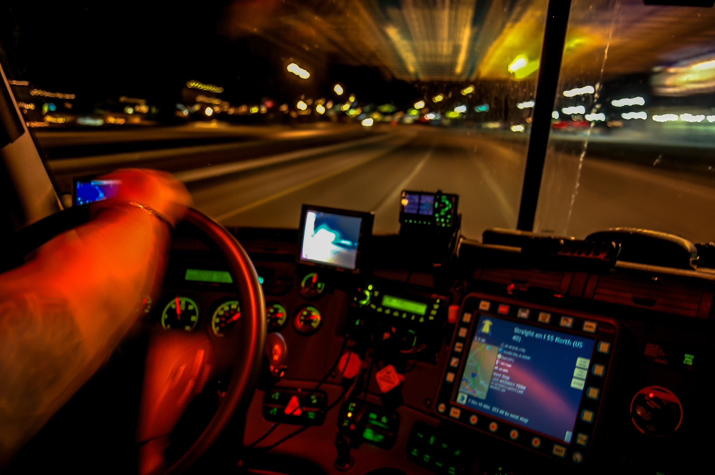 b_usxpress_truck_interior_011509_3