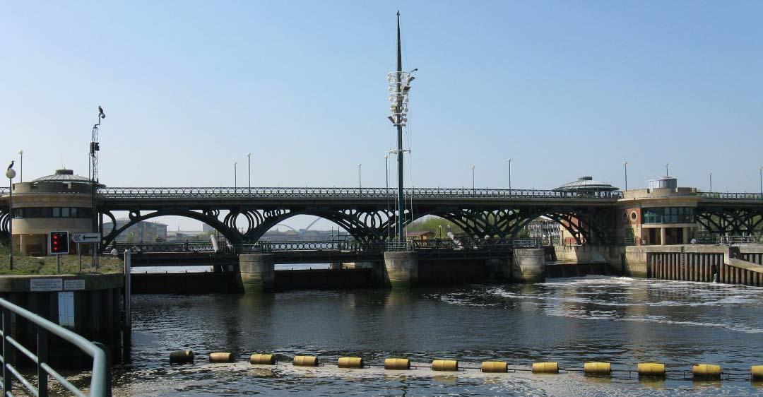 Tees-Barrage_fish-pass_tideflex-valves