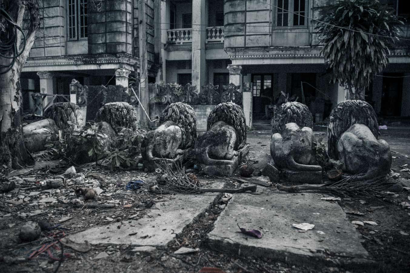 Jamie-Lowe-Photography-Haunted-House-Chiang-Mai-24.jpg