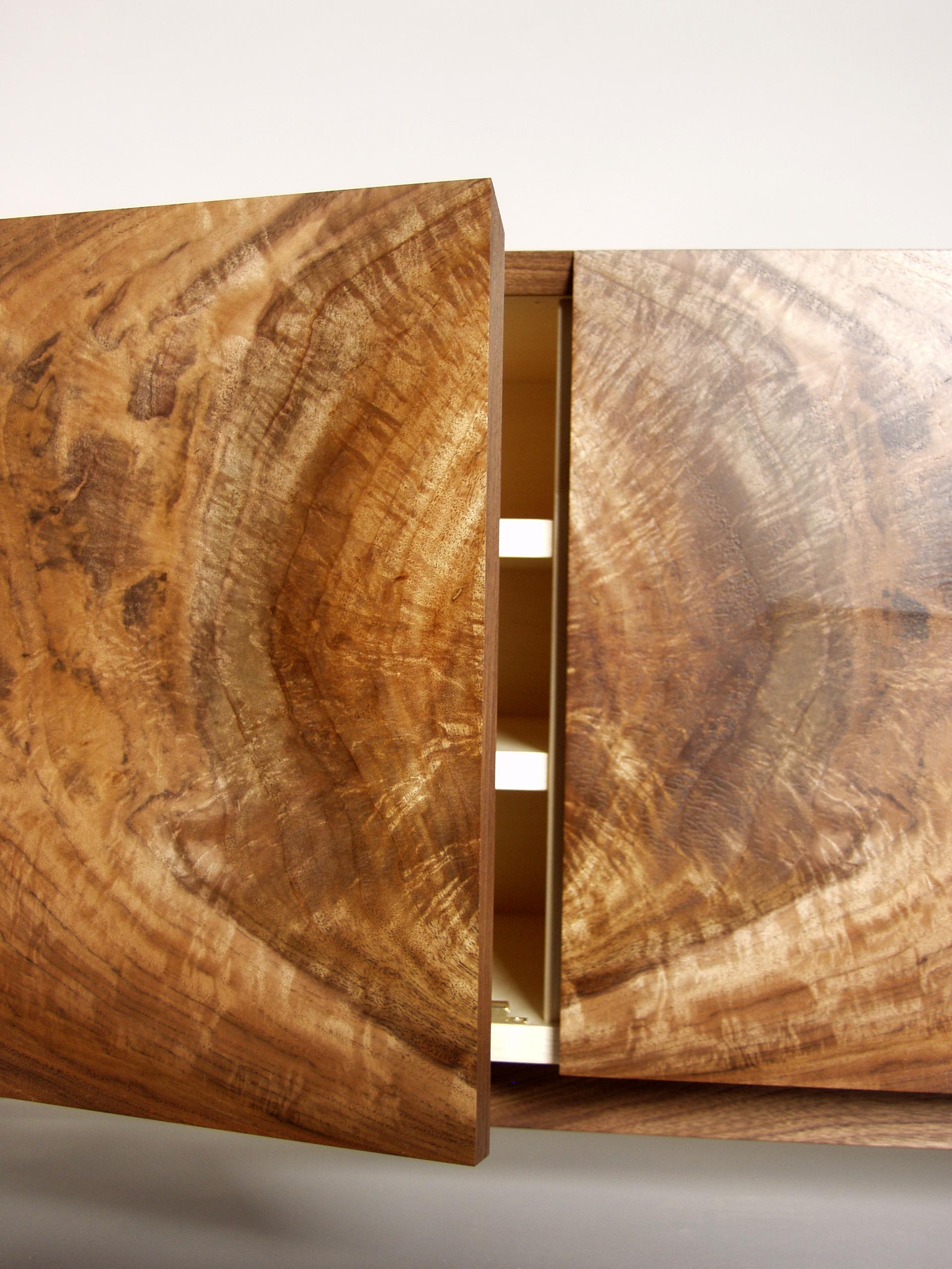 American walnut Curl cab 4.jpg
