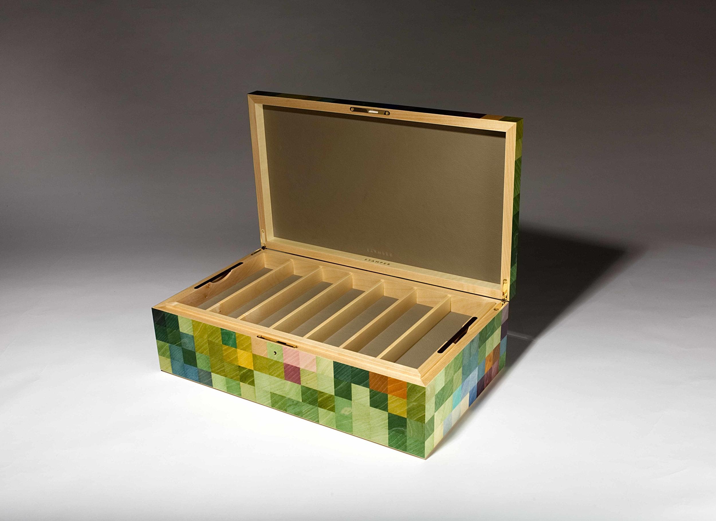 Hibiscus straight razor collectors box