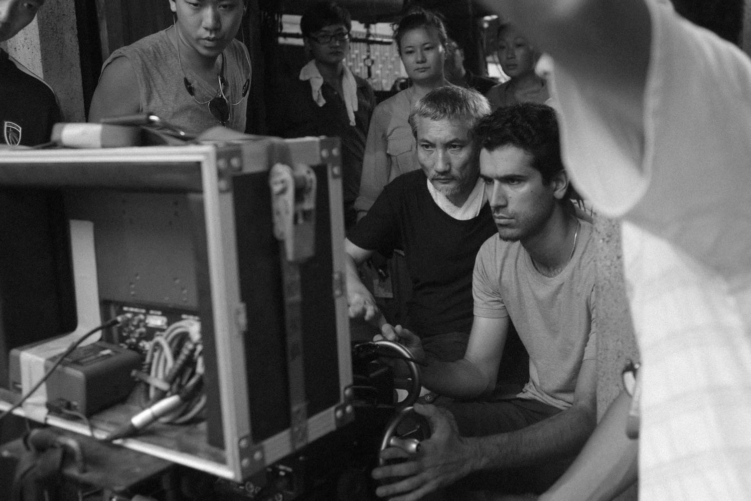 Operating a shot for Tsui hark on the set of Flying Swords of Dragon Gate.