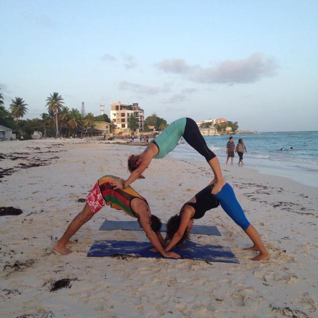 Acro-Yoga-4.jpg