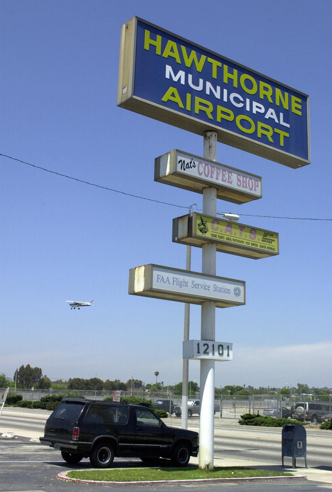 The city decided to put the fate of Hawthorne Municipal Airport in the hands of voters in 2001. File photo, June 25, 2001. (Robert Casillas / Staff Photographer)