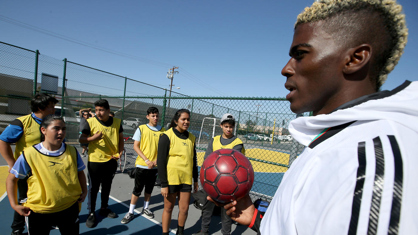 Luis Sinco / Los Angeles Times  Galaxy forward Gyasi Zardes supervises youth futsal games at Hawthorne Memorial Park, where you can find him most Thursdays working with the kids.