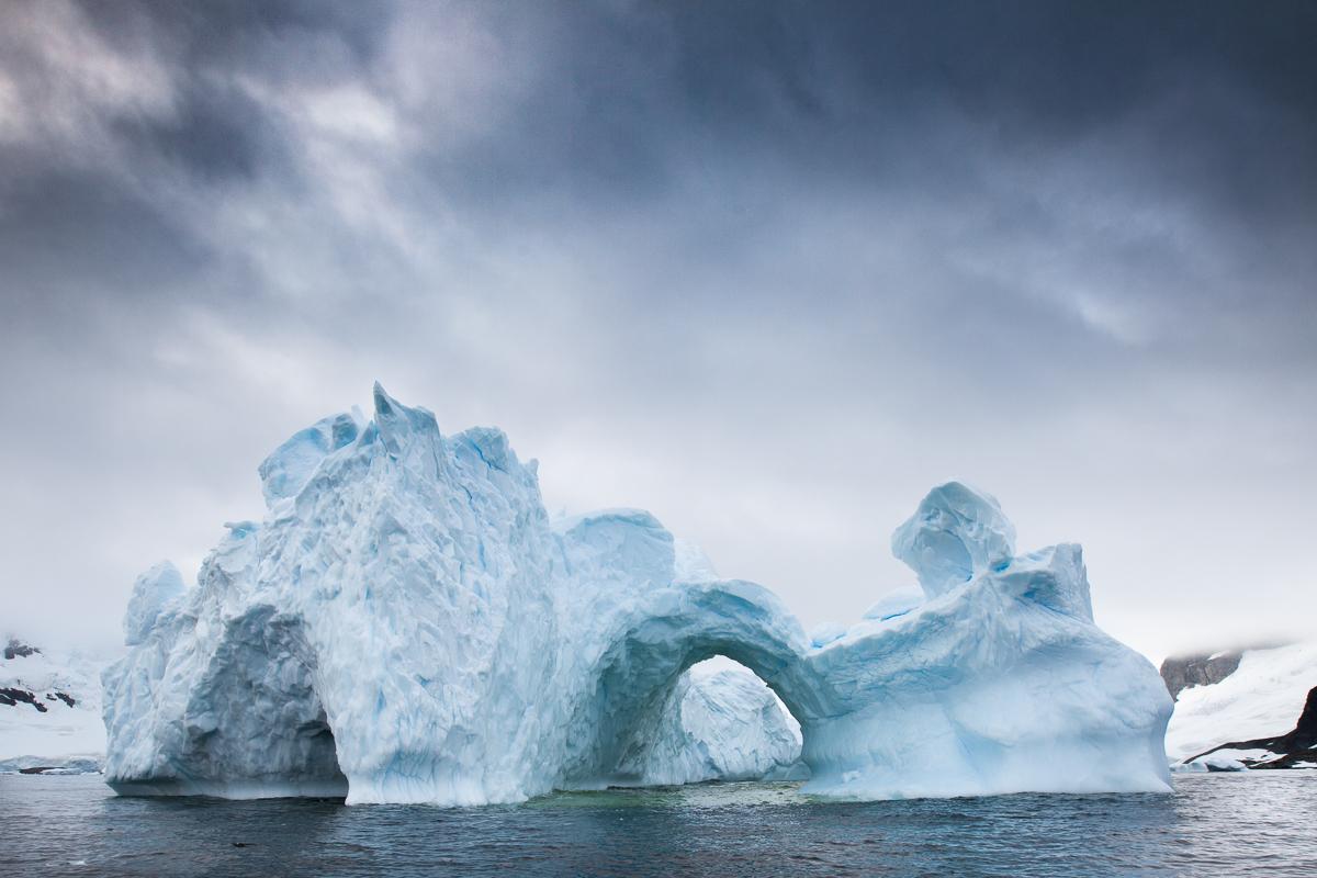 glacier-moody-sky-antarctica