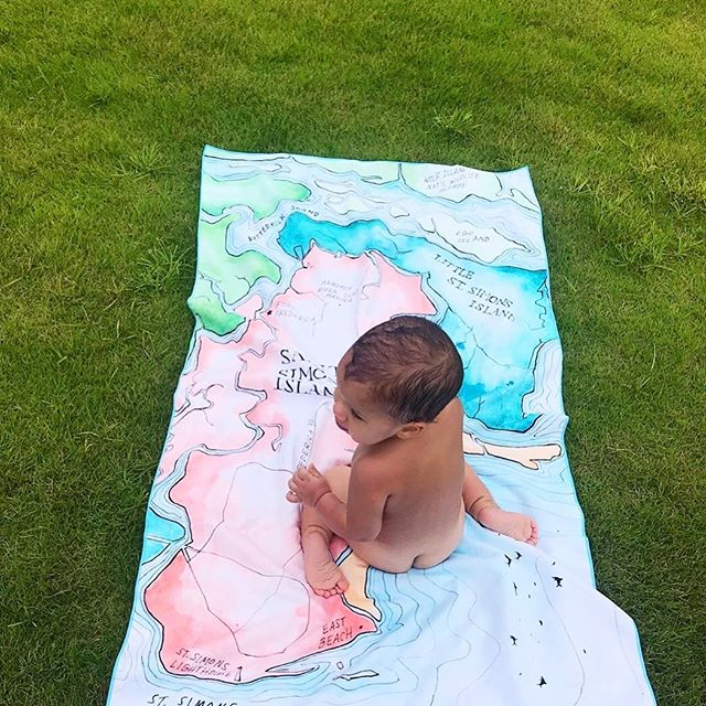 This is how everyone should be using their @gunners_daughter map towels!!! In the south we have endless summers so It is never too late for towels, only available by commenting or direct message. Thanks to @asebauer for the photo of her sweet tot on the Golden Isles towel🌞 👶🏻 🍑 🏡 #maptowel #gunnersdaughter #babyonatowel #gunnersdaughtertowels