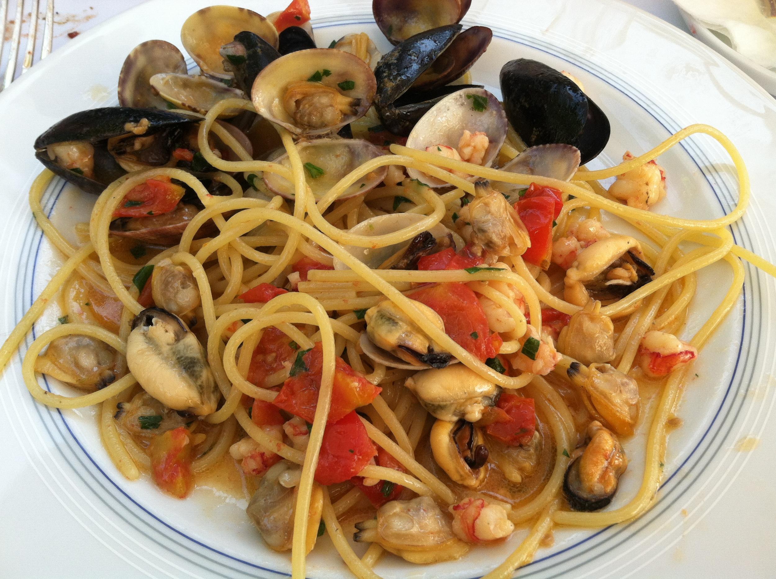 Poolside pasta at hotel La Scalinatella
