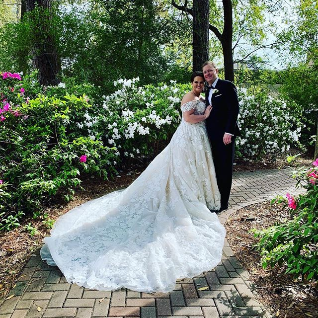 Look at that smile, true happiness!! Congratulations to the new @blakelymbrandon!! I miss you already! Big thank you to @grayhouseeventsatelier, you are the best! Hair by the amazing and wonderful @tjsilmon. Dress @inesdisanto @thehoustonianhotel  #makeup #weddingmakeup #houstonmakeupartist #houstonweddingmakeup #bridalmakeup #newlyweds #firstlook #devinLbeauty #grayhouseevents #hairbysaintrose #houstonevents #houstonweddings #houstonweddingvenue
