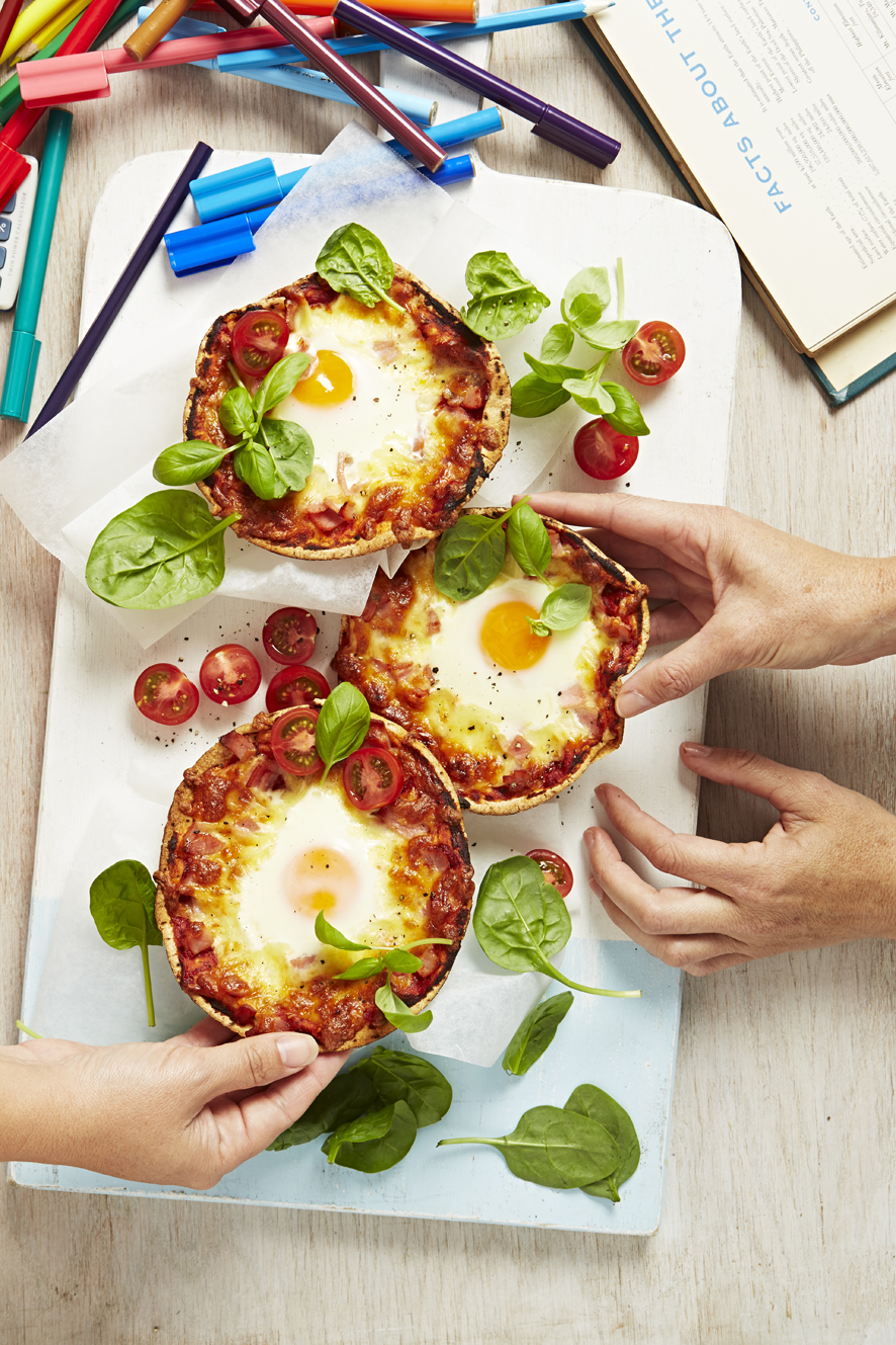 webBacon&EggPizzas_04.jpg