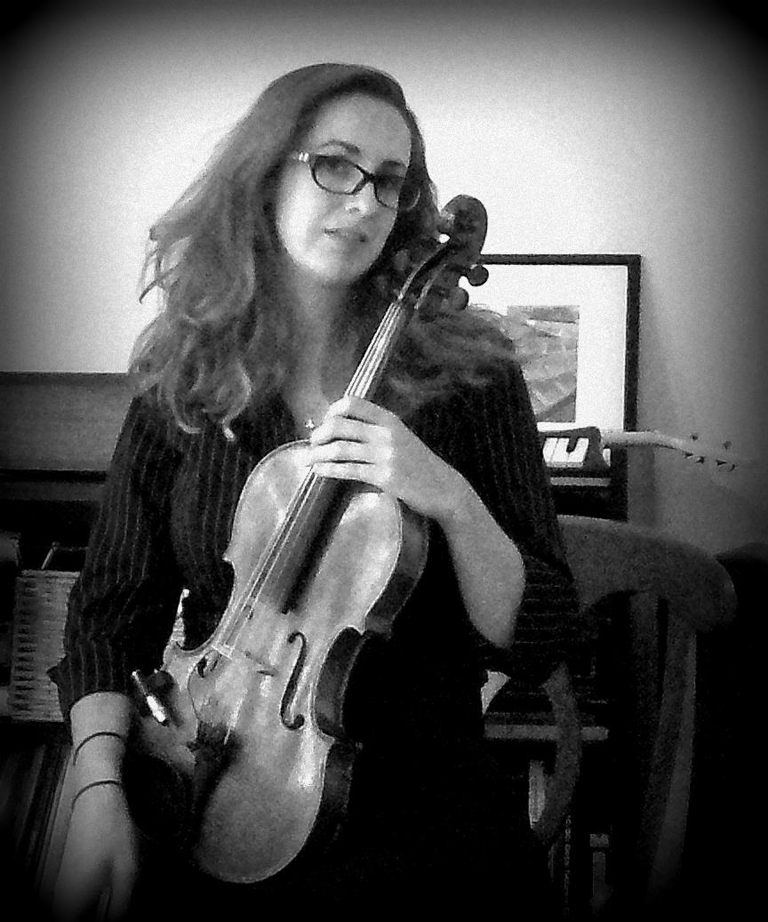 A versatile musician, Melanie embraces fiddle, jazz & rock alongside her classical upbringings.