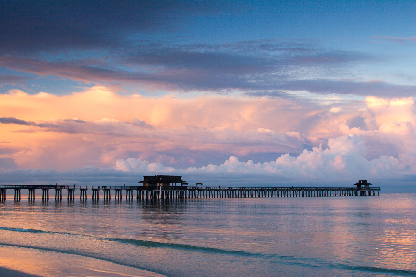 Naples Pier at Sunrise. Copyright Vanessa Rogers Photography
