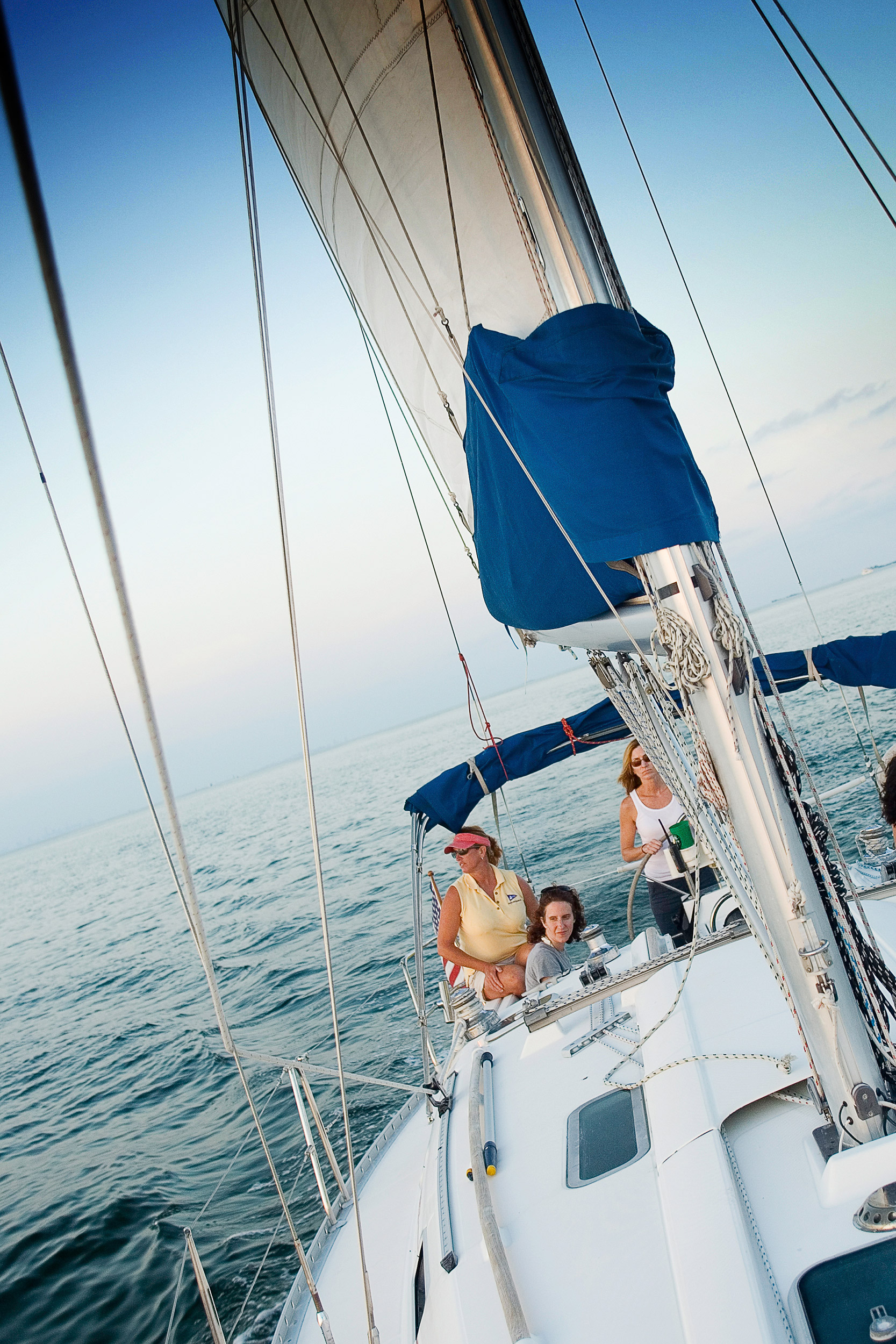 travel_budgettravel_boating_sailing_4467.jpg