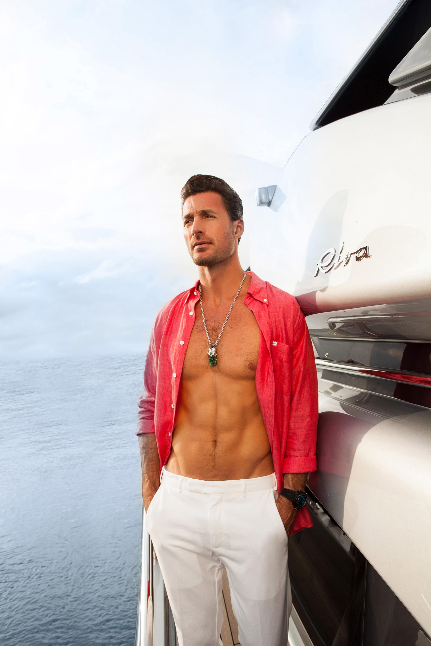 Man_on_yacht_portfolio-5448.jpg