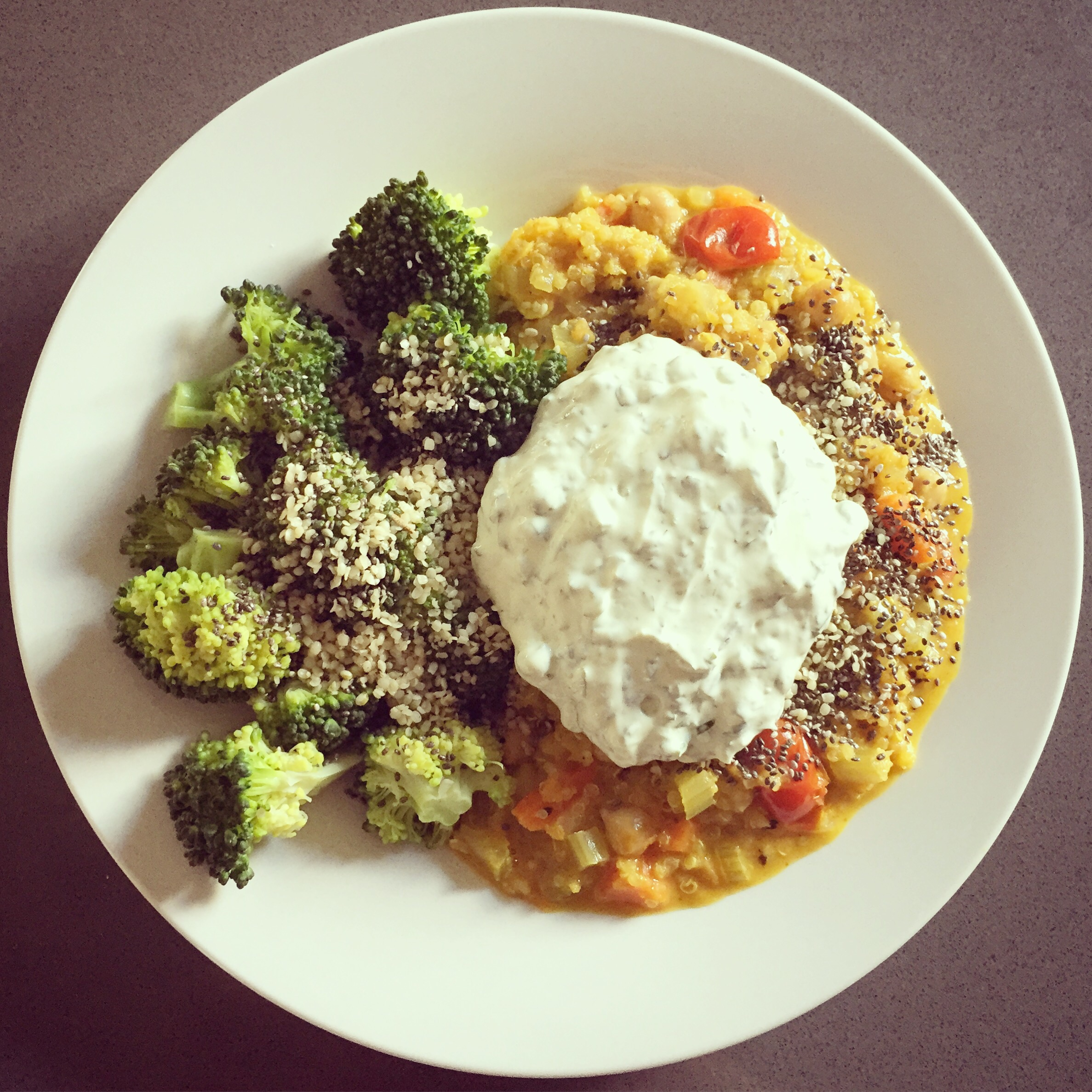 one_pot_vegetable_quinoa_curry.jpg