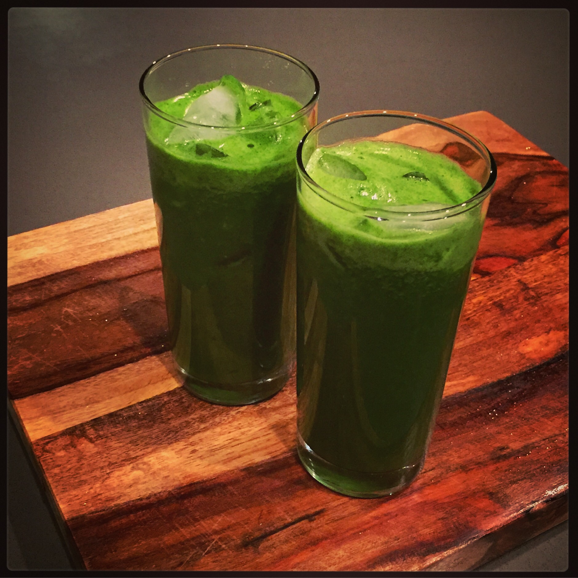 Citrus Green Juice || Hillary with two Ls