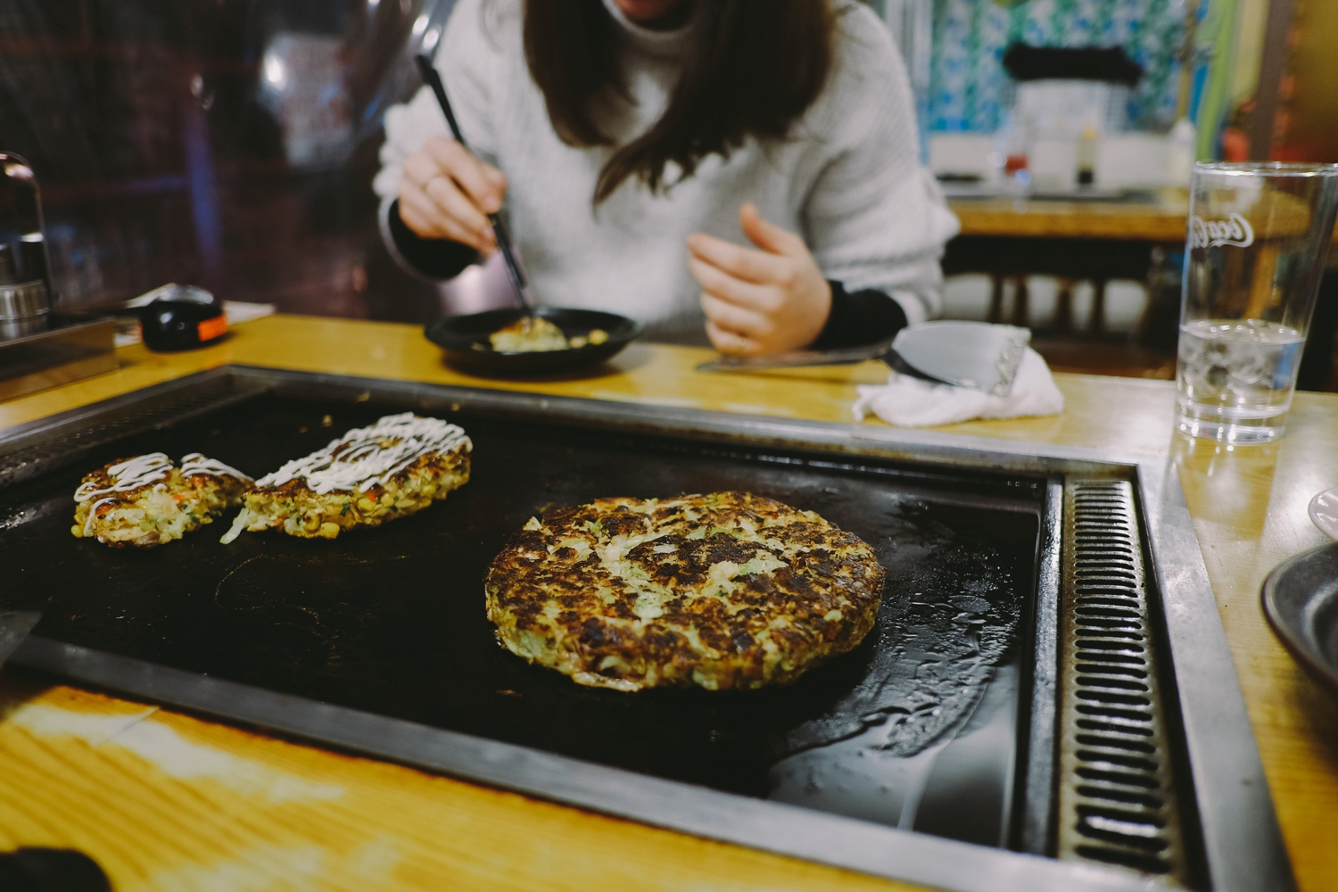 Frying our own Okonomiyaki (Japanese savoury pancake) aka my favourite Japanese food! We had it like four times and there are zero regrets here.