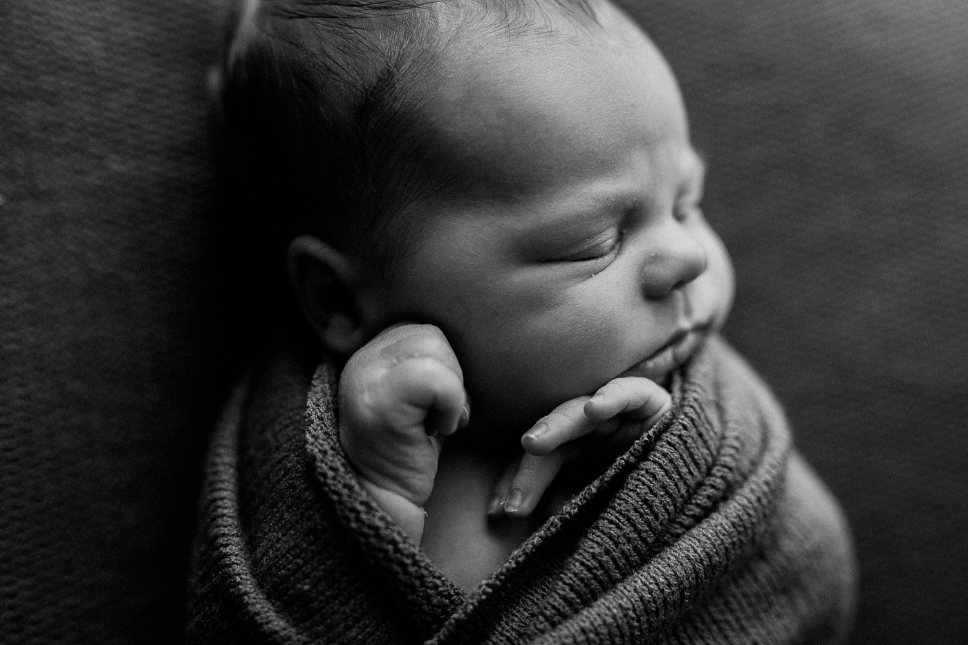 Mads - Natural light newborn photographer in Adelaide - Simple newborn photography - www.katherineschultzphotography.com 15