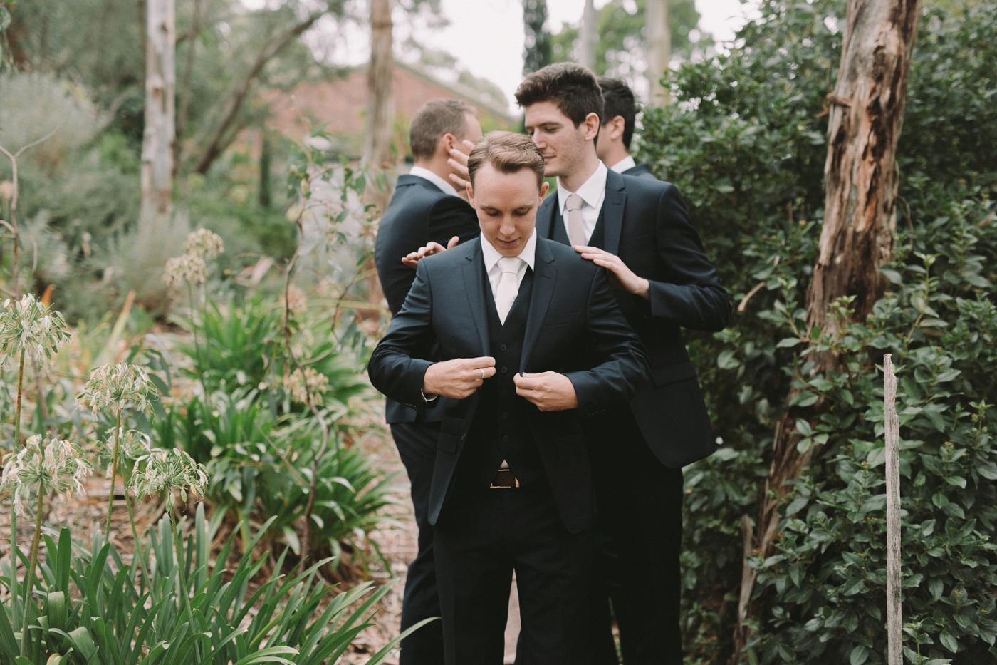 Jasmine and Adam - Natural wedding photographer in Adelaide - Candid Wedding Photographer Adelaide - www.katherineschultzphotography.com 4