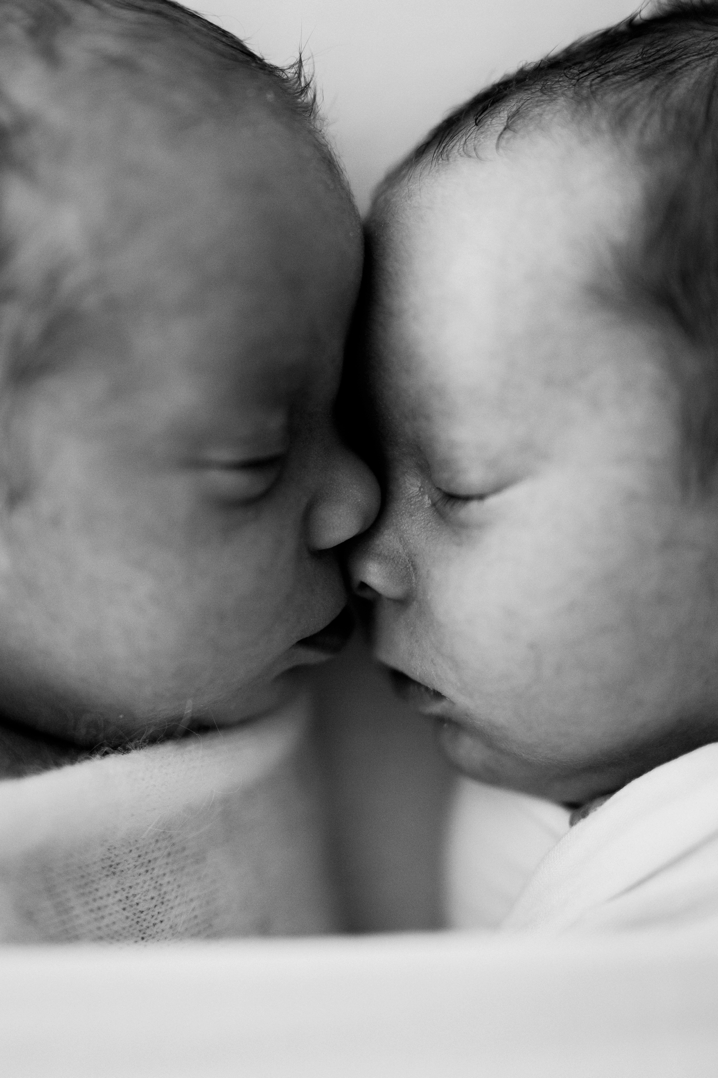 Buddy & Thomas - Twin newborn photographer in Adelaide - Twin newborn photography - Natural newborn photographer - www.katherineschultzphotography.com 10