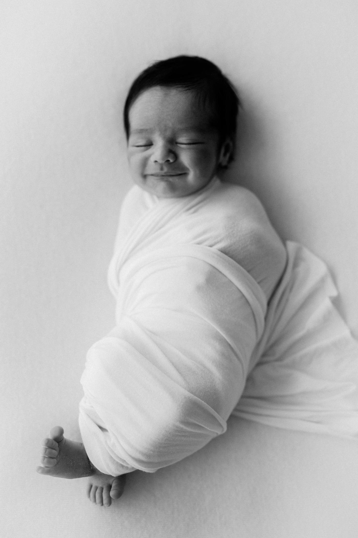 Baby Willa - Natural light newborn photographer in Adelaide - Natural newborn photography in Adelaide - Simple newborn photography - Katherine Schultz - www.katherineschultzphotography.com 11