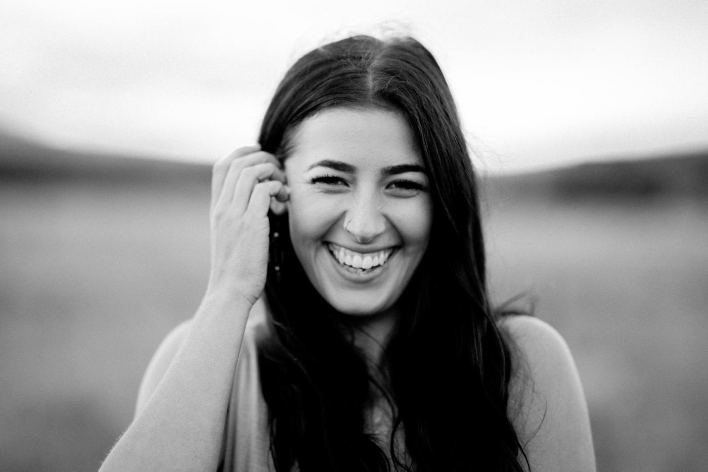 Hannah & Luke -- Natural Photographer in Adelaide - Simple portrait photographer in Adelaide - Katherine Schultz