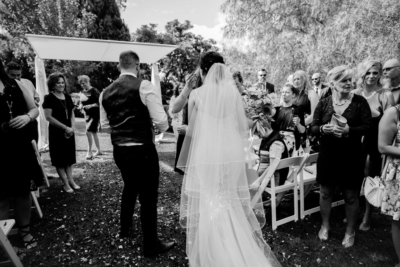 Emma & Aaron - Marybank Estate Wedding - Natural Wedding Photography in Adelaide - www.katherineschultzphotography.com_0040.jpg