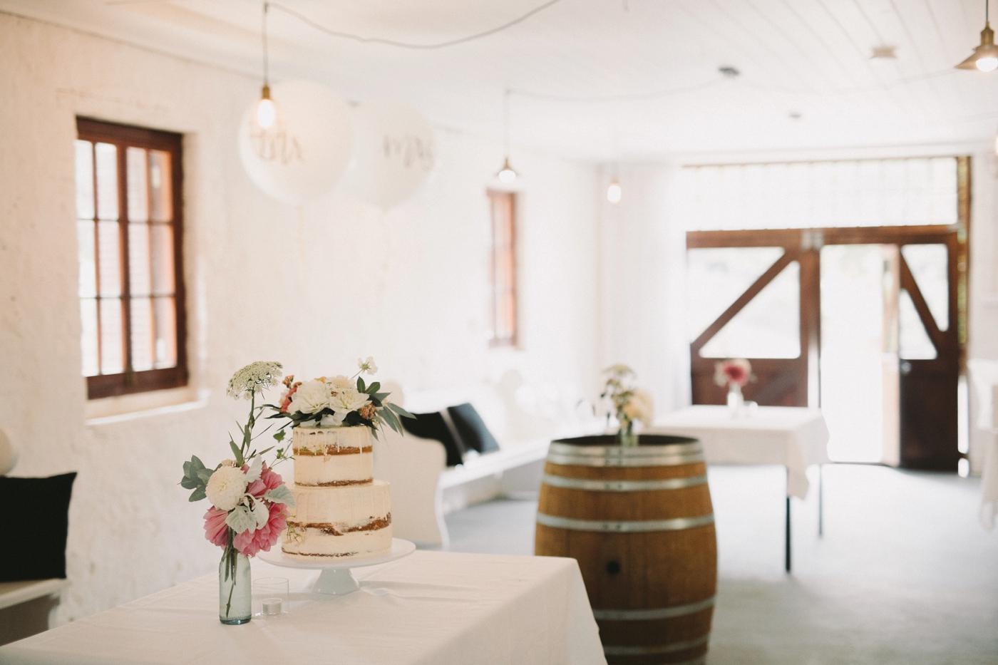 Emma & Aaron - Marybank Estate Wedding - Natural Wedding Photography in Adelaide - www.katherineschultzphotography.com_0016.jpg