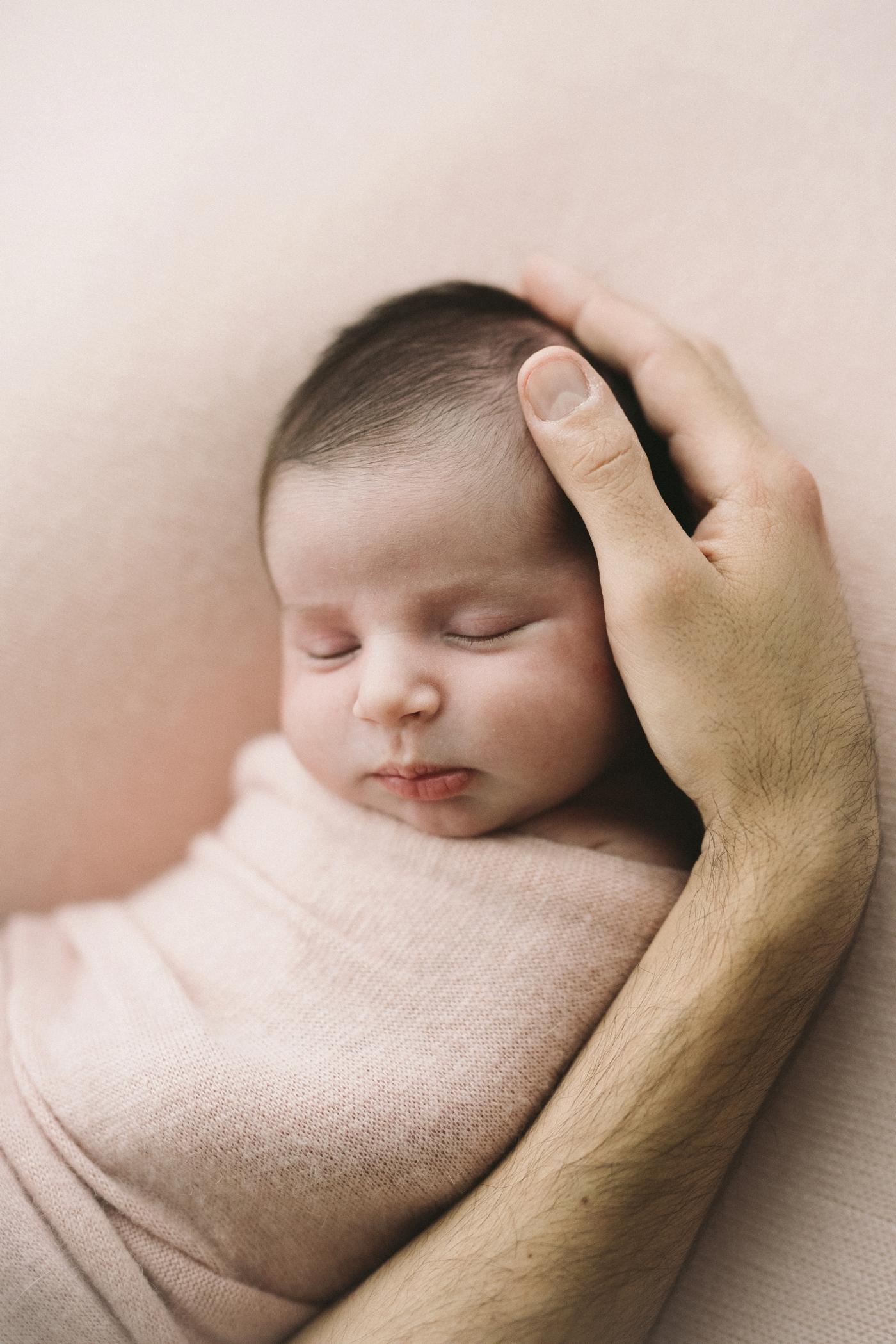 Annabel - Natural Newborn Photographer in Adelaide - Simple and Beautiful Newborn Photography - Katherine Schultz - www.katherineschultzphotography.com_0024.jpg