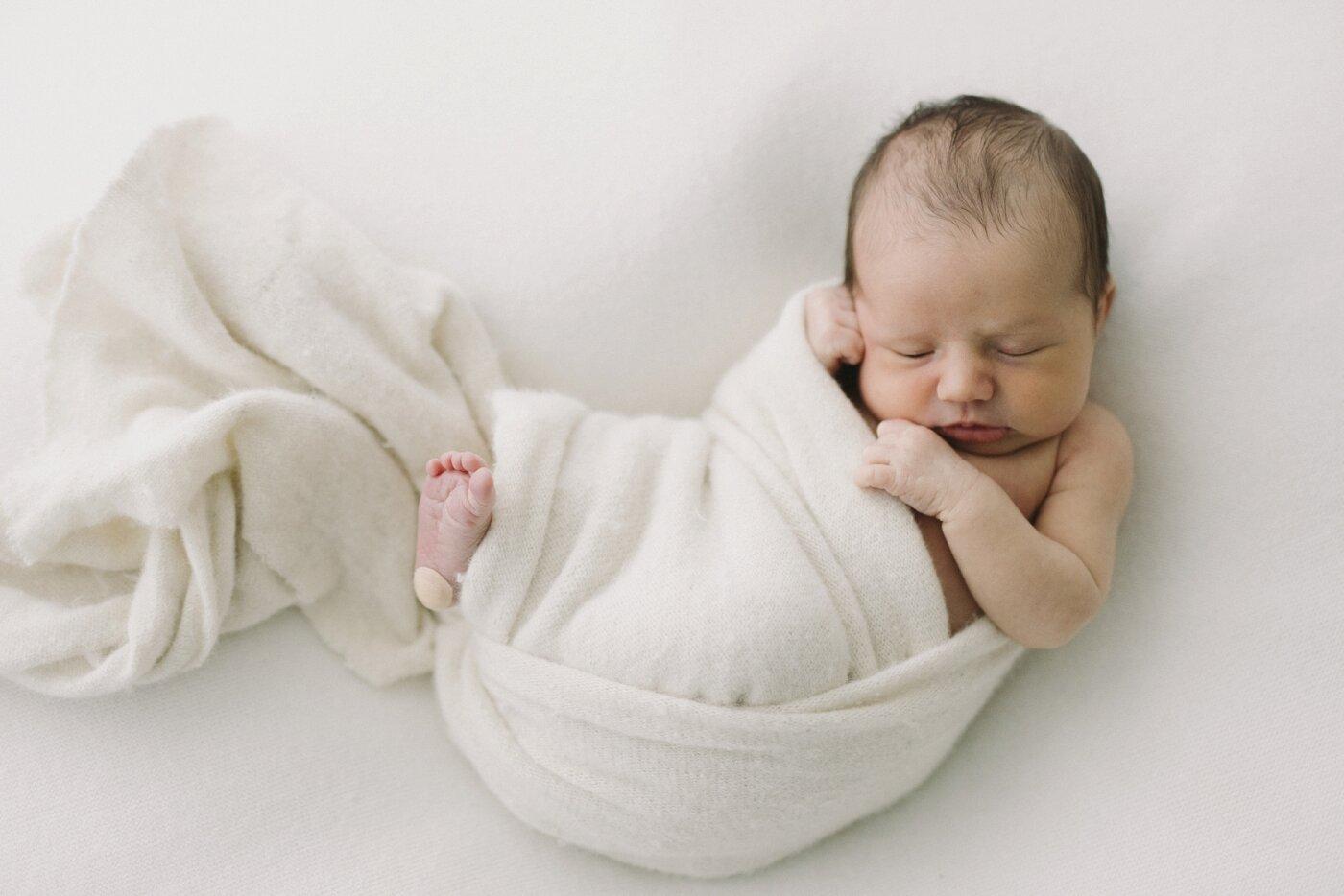 Baby Rosie - Natural Newborn Photography in Adelaide - Simple and Beautiful Newborn Photography - Katherine Schultz - Natural Light Newborn Photographer in Adelaide - www.katherineschultzphotography.com_0002.jpg