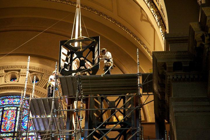 Placing an upper truss tower.