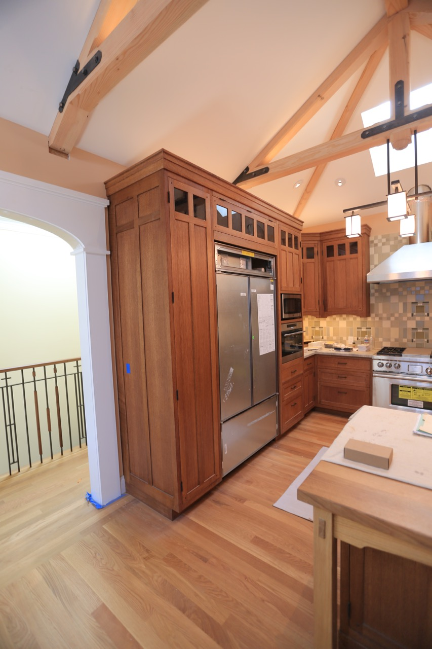 Oak cabinets and pantry pullouts.