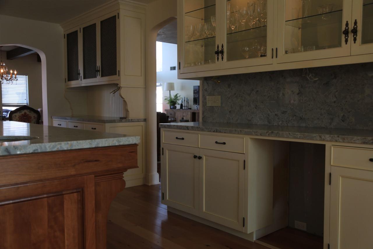 Kitchen1_2.jpg
