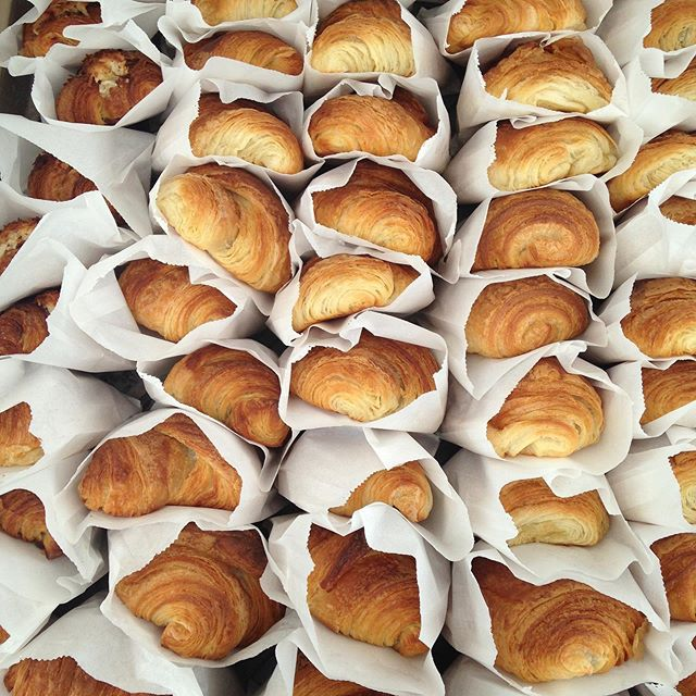Heading to the @lovelandfarmersmarket for another beautiful Tuesday at the @lovelandcanoe! Ride on in and grab a couple of your #BlueOven favorites! #shoplocal #greatdayforbread #lovewhatyoudo #cincinnati #farmersmarket #woodfired #croissants