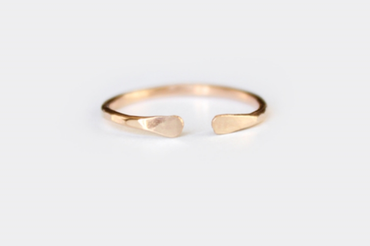 Cuff Ring by Junghwa