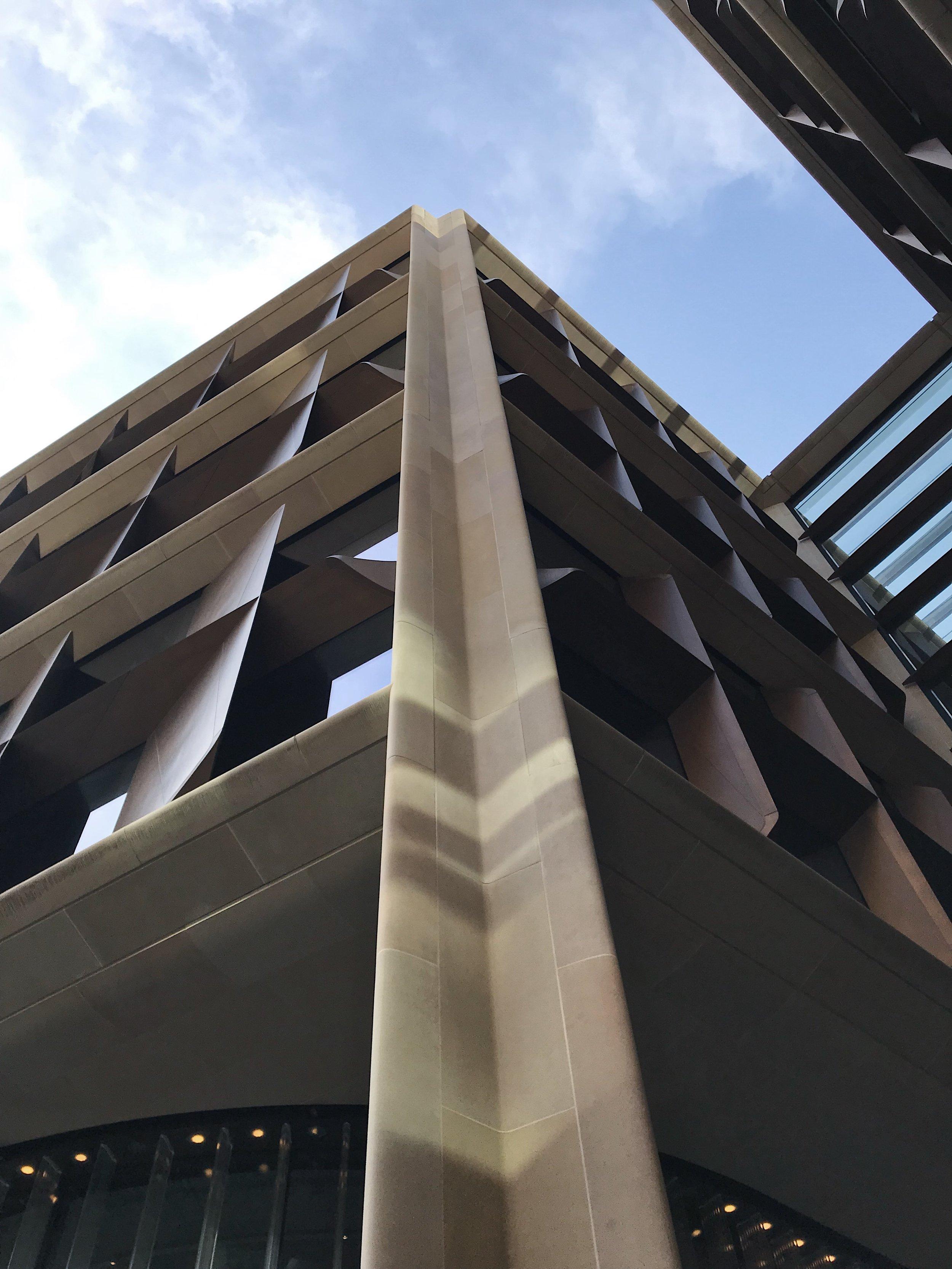 Corner column front view